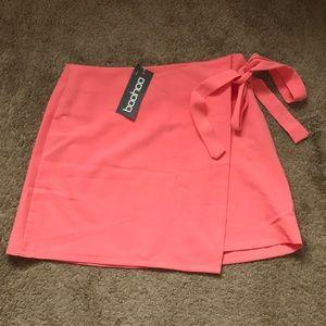 NWT Coral Boohoo wrap skirt
